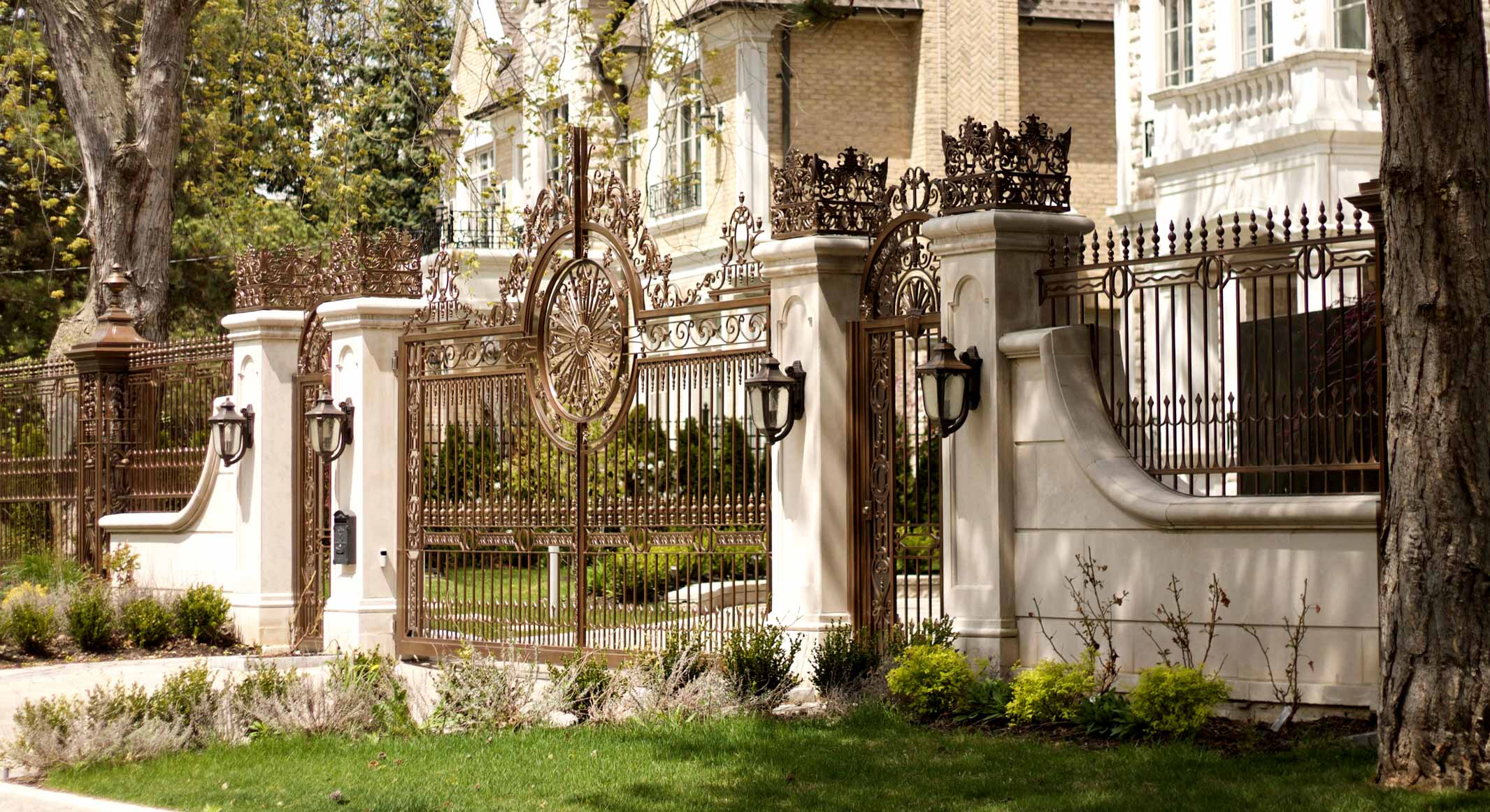 5 Key Factors to Consider When Choosing A Gate for Your Home