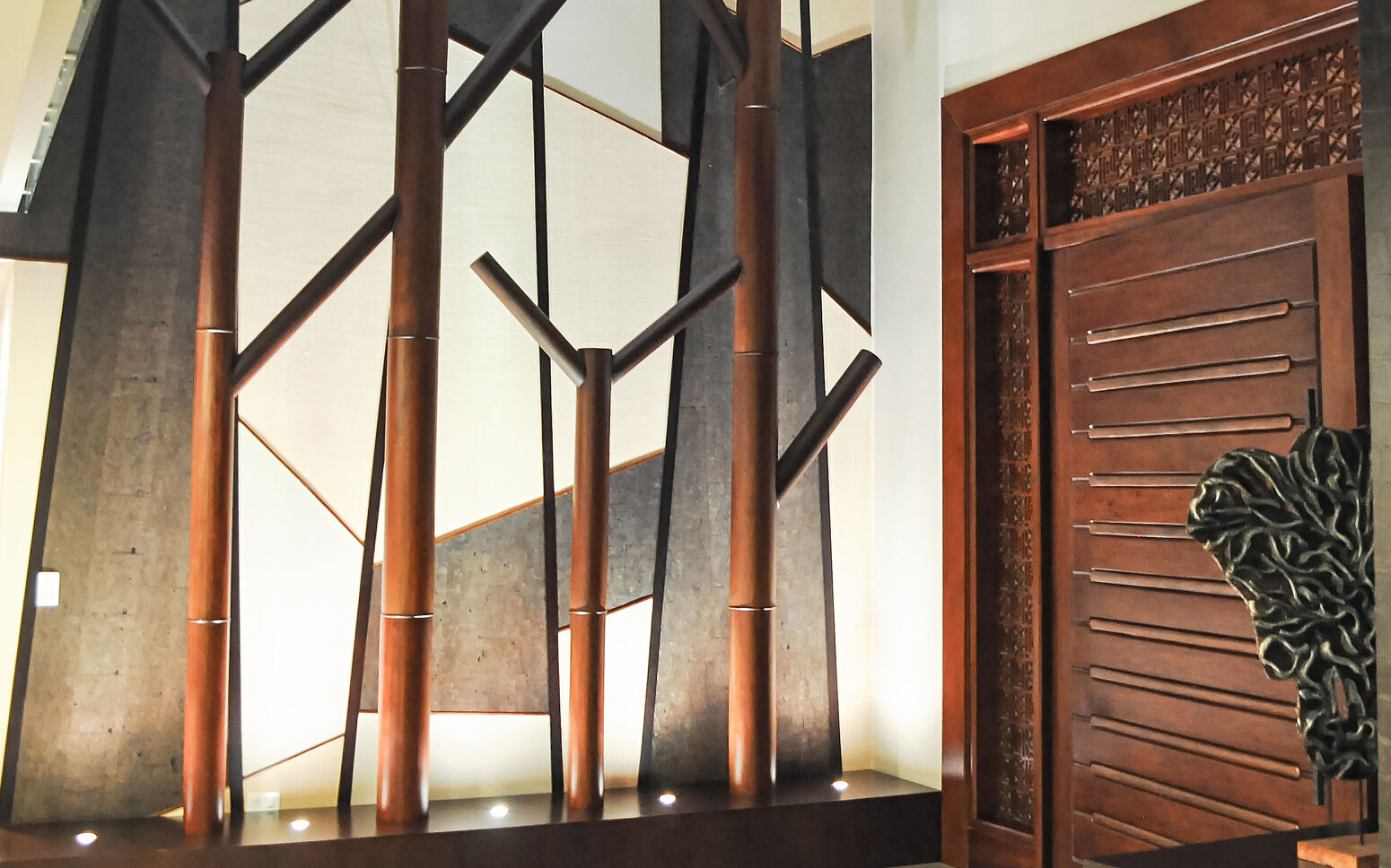 The Guide to a Modern Custom Front Door that Enhances the Interior of an Estate